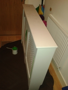 Radiator cover upcycle furniture annie sloan antibes green before b